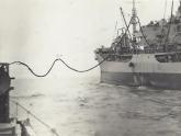 Olie-laden-van-bevoorradingsschip