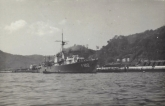 Hr.Ms.Johan-Maurits-aan-de-oliesteiger-in Sosebo-Japan